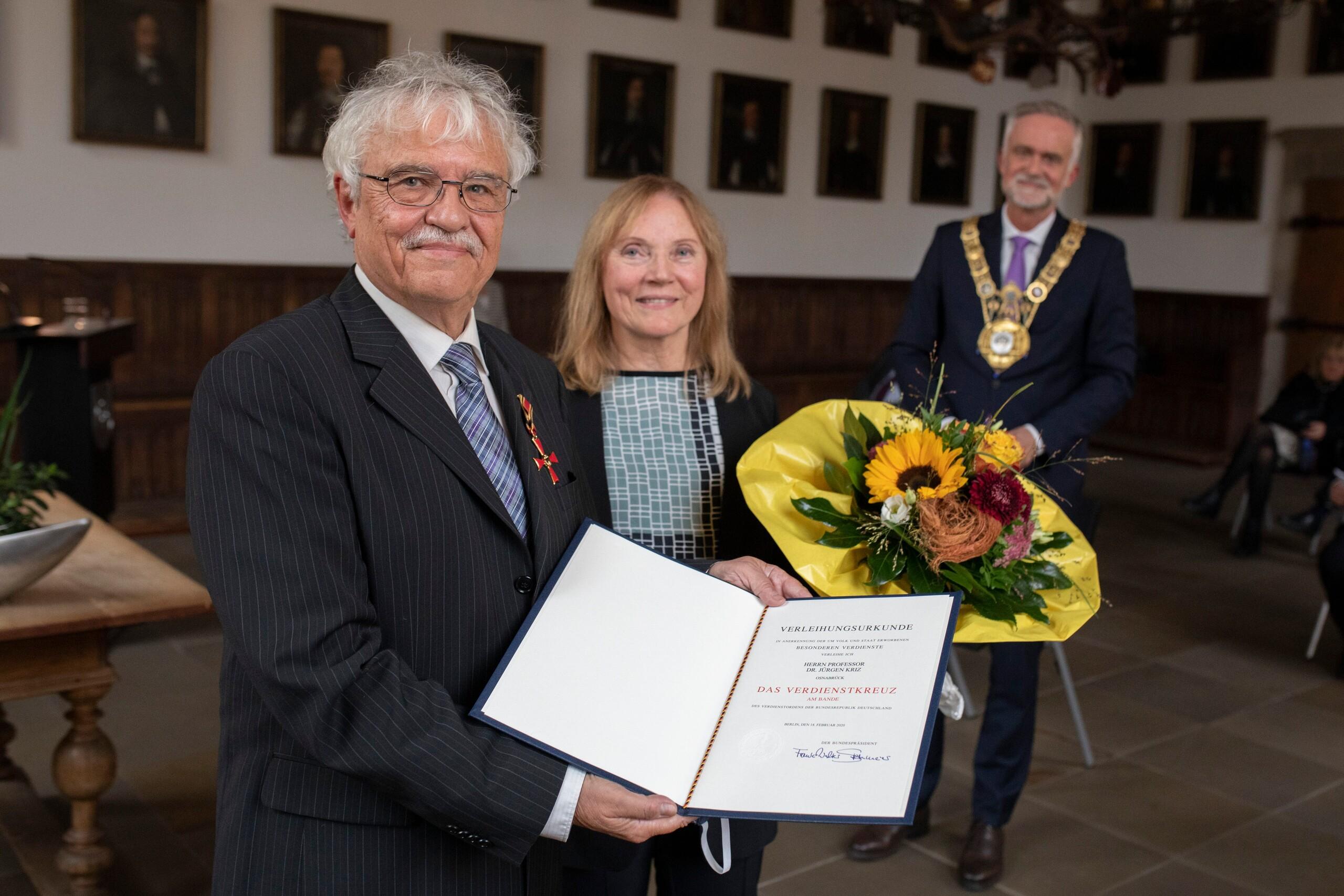 Prof. Dr. Jürgen Kriz erhält Bundesverdienstkreuz